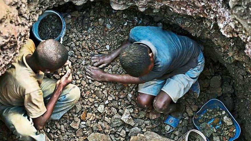 Cobalt de sang al Congo: l'altra cara del cotxe elèctric