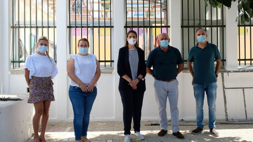 La Junta retira el amianto del colegio Cándido Lara de Cómpeta