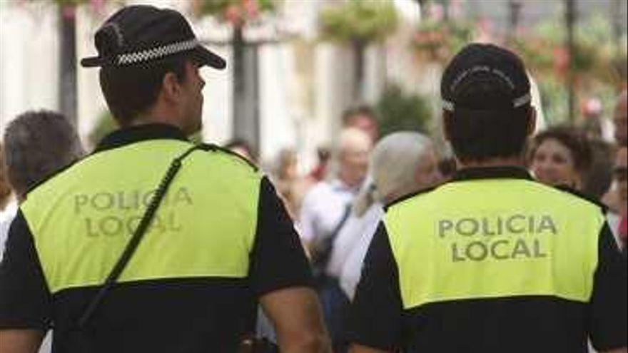 Detenido por gritar y echar el aliento a una anciana que le miró por no llevar mascarilla