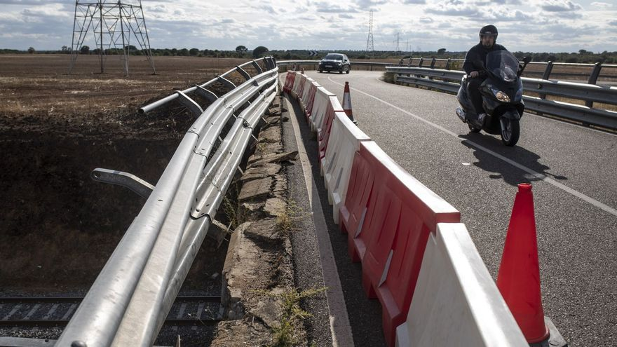 La Diputación reforzará la señalización de la carretera de La Hiniesta y construirá un nuevo puente
