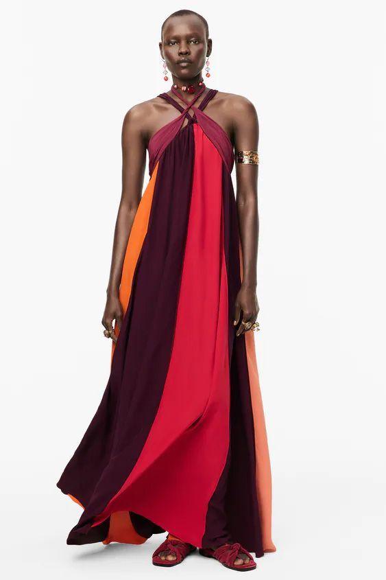 """Este es el vestido de Zara similar al de Dior que lució la protagonista de """"Una rubia muy legal"""" sobre la alfombra roja de los Oscar."""