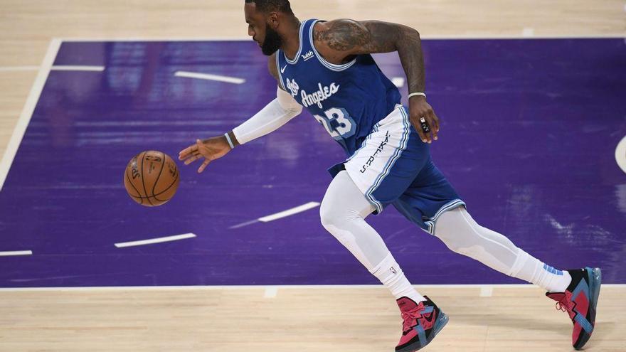 LeBron James, empresario del deporte en expansión