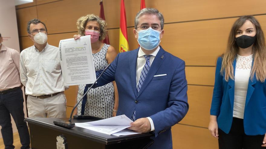 """Pacheco denuncia una campaña de acoso por parte de PSOE y Cs """"basada en mentiras"""""""