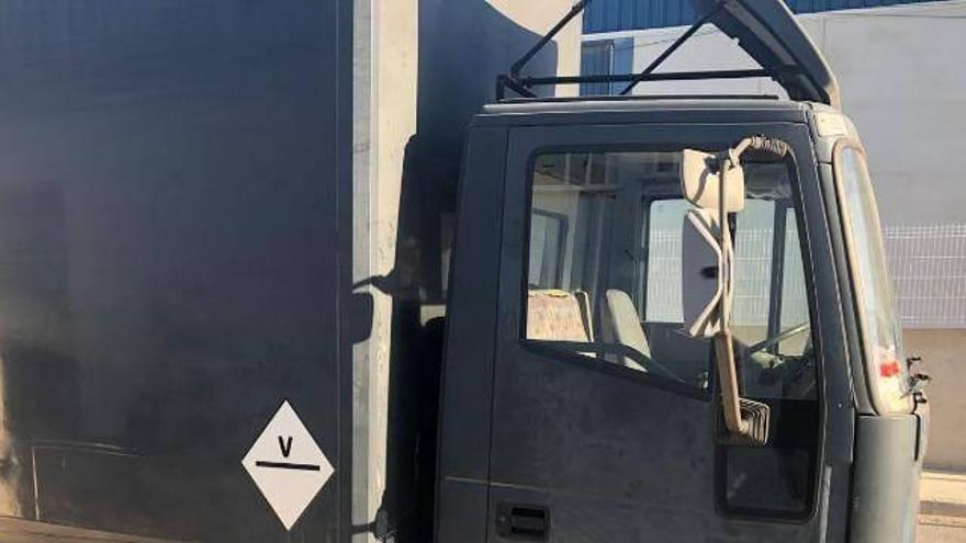 Roban un camión con 80.000 euros de material para eventos musicales en el polígono El Canari