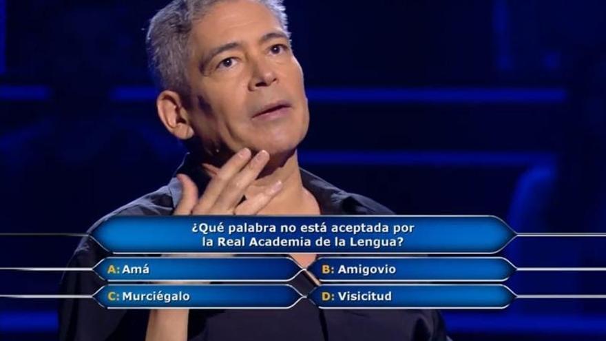 """Boris Izaguirre recauda """"solo"""" 10.000 euros para la viguesa AFAGA por culpa de un """"murciégalo"""""""