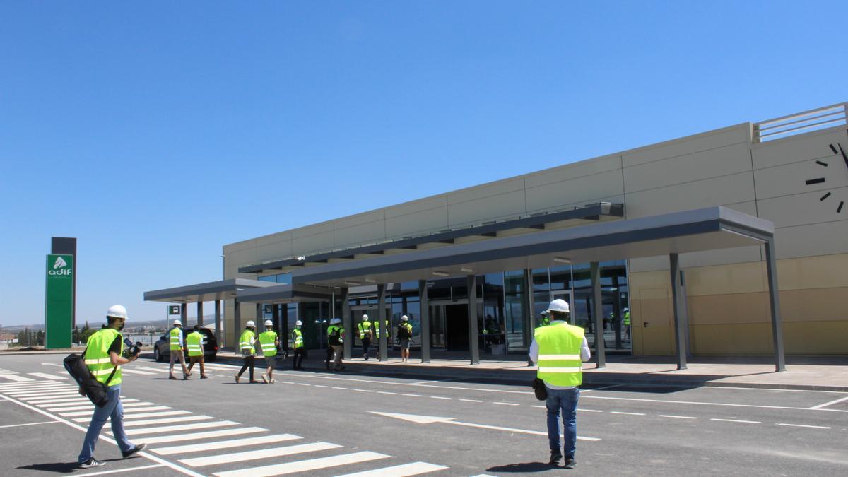 Exterior de la nueva estación del AVE en Antequera.
