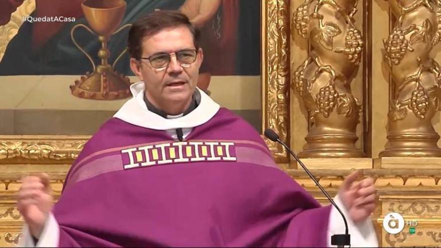 Un párroco de Torrent carga contra À Punt por retirar la misa