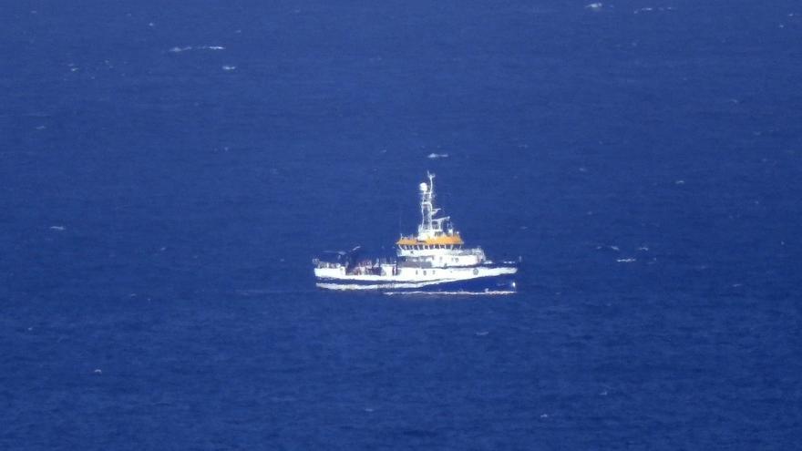 El buque con sonar sigue buscando sin hallar rastro de las niñas en Tenerife