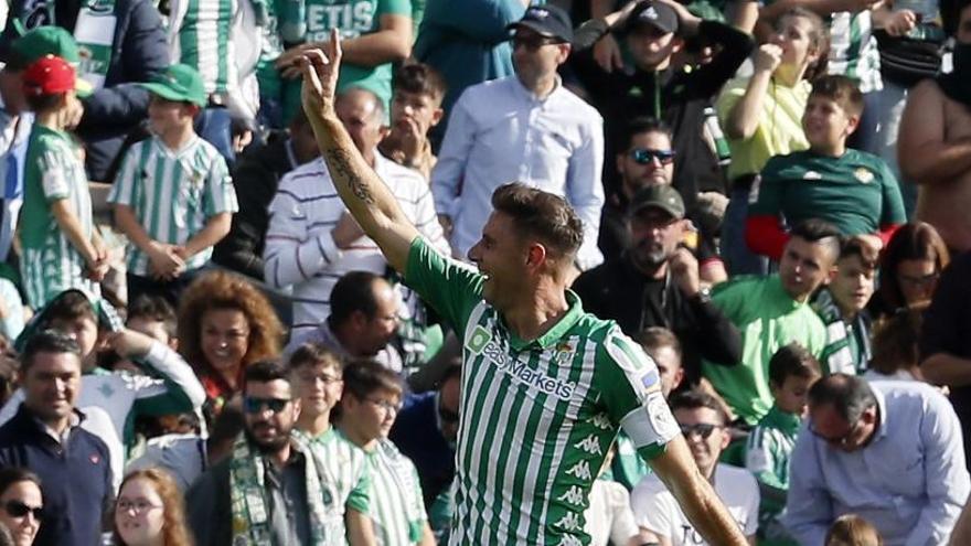 Joaquín renueva con el Betis hasta casi los 40 años