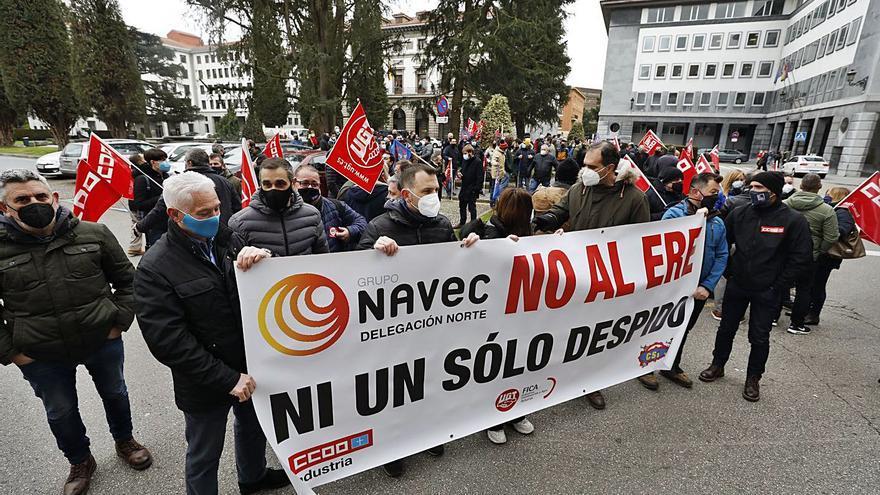 Movilización de los trabajadores de Navec ante Industria