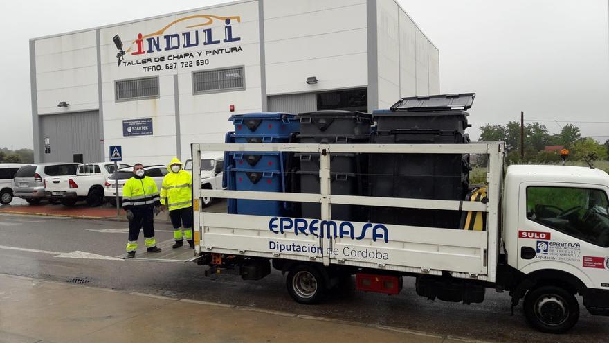 Epremasa entrega contenedores a 56 empresas de Villanueva de Córdoba