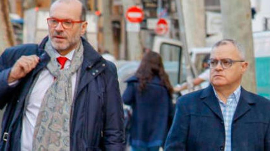 El periodista del 'caso Cusarch' dice que no tuvo otra opción que entregar su móvil