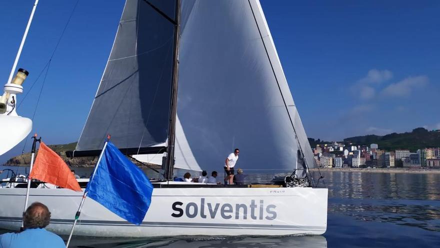 """El """"Solventis"""", líder provisional del Mar de Maeloc Rías Altas"""