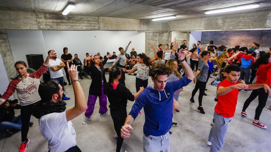 Casting de figurantes y bailarines del Carnaval