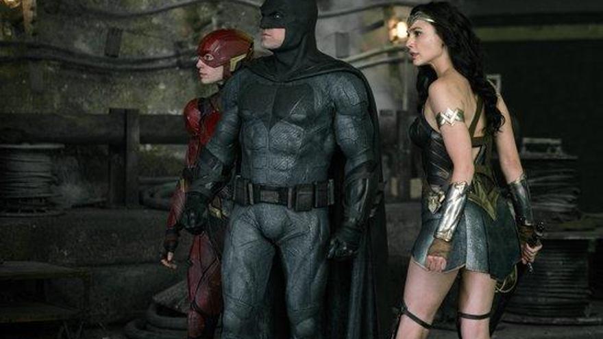 Els superherois de DC irrompen al cinema amb la 'Liga de la Justicia'