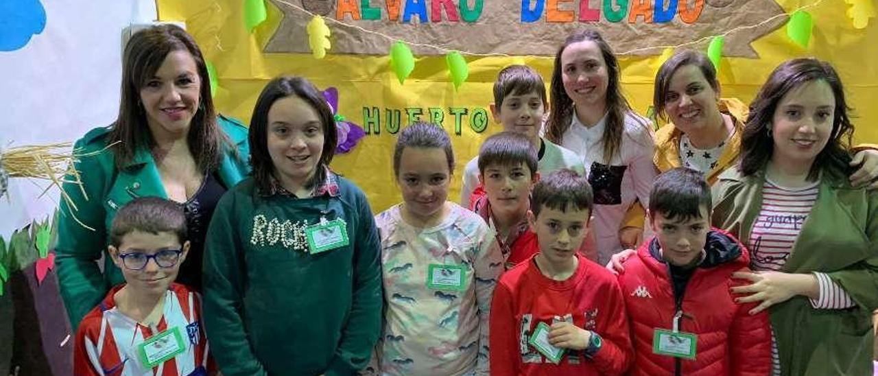 Por la izquierda, Carmen Rodríguez, Marco González, Lucía Méndez, Sara Menéndez, Luis Fernández, Adrián Vizoso, Adrián García, Ana García, Mateo García, Verónica Fernández y Lucía Menéndez.