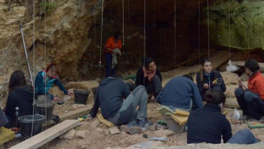 Els neandertals van ocupar la Cova de les Teixoneres de Moià durant més de 20.000 anys