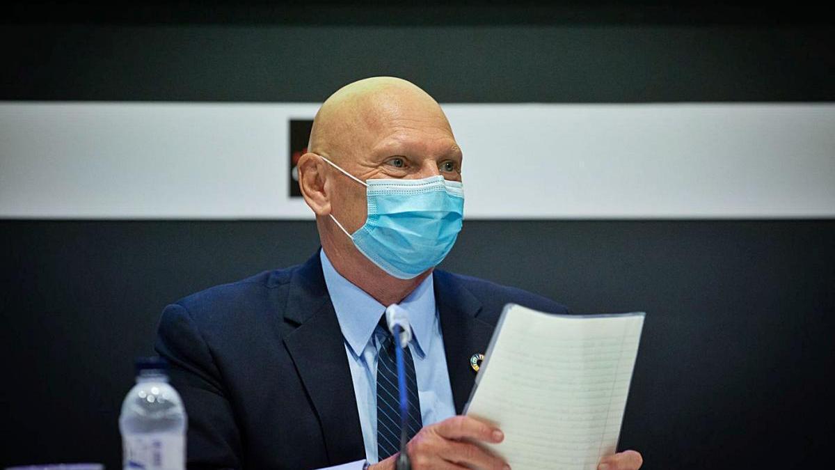 John Hoffman en la roda de premsa després de l'ajornament del MWC el setembre passat