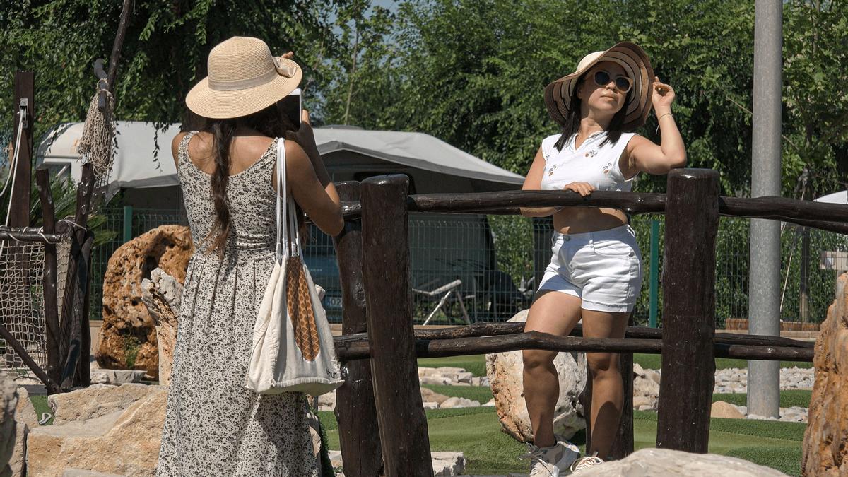 """Imatge del documental """"Camping Life: la ciutat efímera"""""""