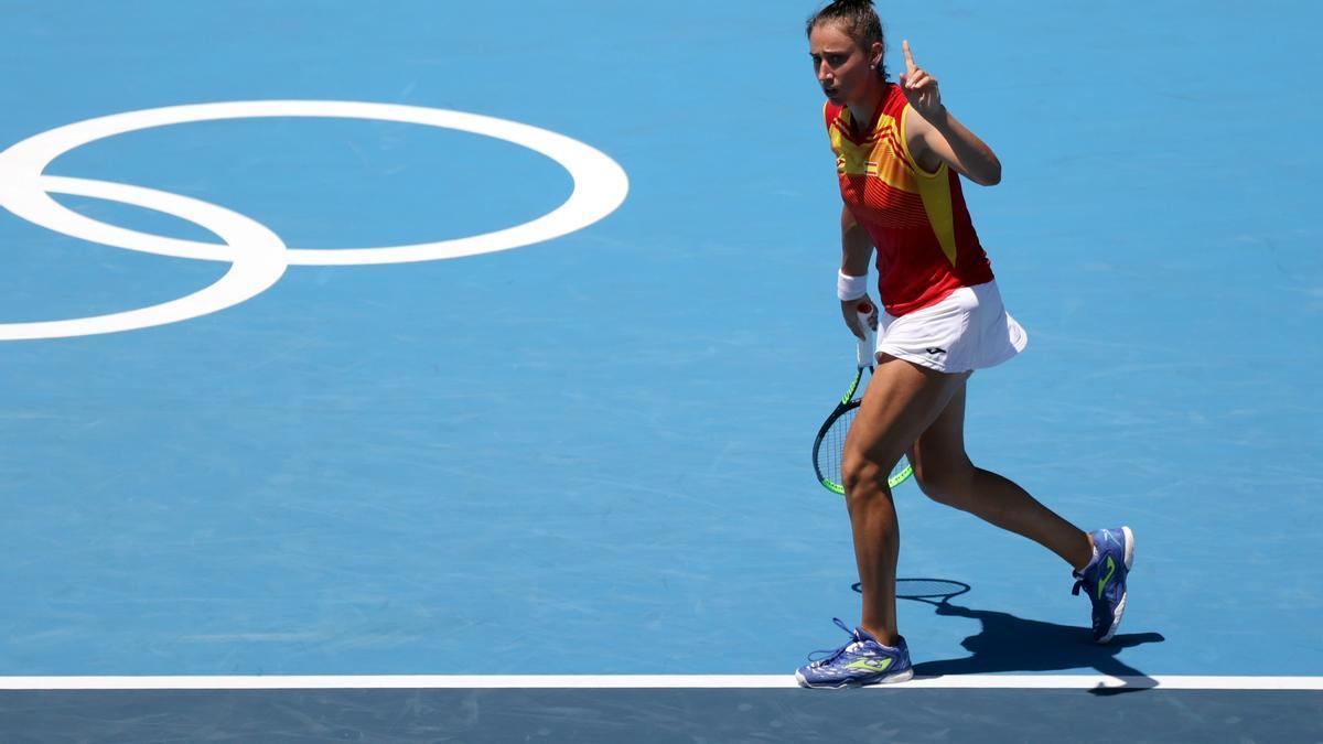 Sara Sorribes venció a la francesa Fiona Ferro en segunda ronda.
