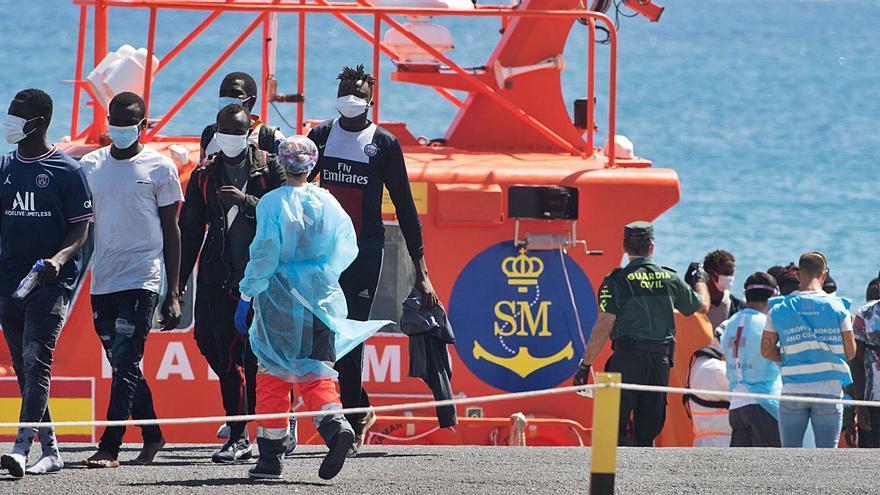 El fin de semana en Canarias termina con cinco migrantes muertos
