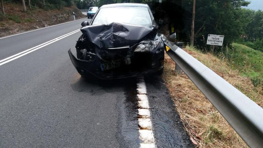 Un ourensano herido, en un nuevo accidente en las curvas de O Castroloureiro