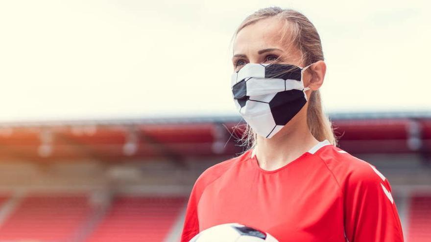 Un equipo femenino de fútbol sala se planta y reivindica jugar con mascarillas