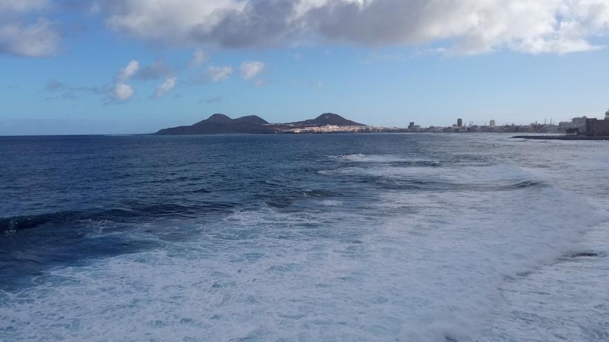 Intervalos nubosos, lluvias débiles y subida de temperaturas este domingo en Canarias