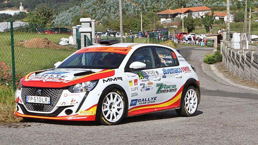 Los pilotos asturianos Cachón y Ruiloba optan a ganar sus monomarcas en la cita mundialista del Rallye de Cataluña