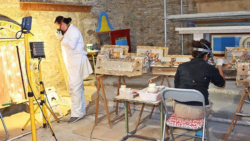 El templo de San Tirso, en la comarca de La Carballeda, luce nuevo retablo