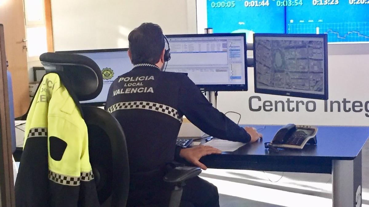 Desde la sala de control del 092 se controlará todo el operativo del 9 d' Octubre