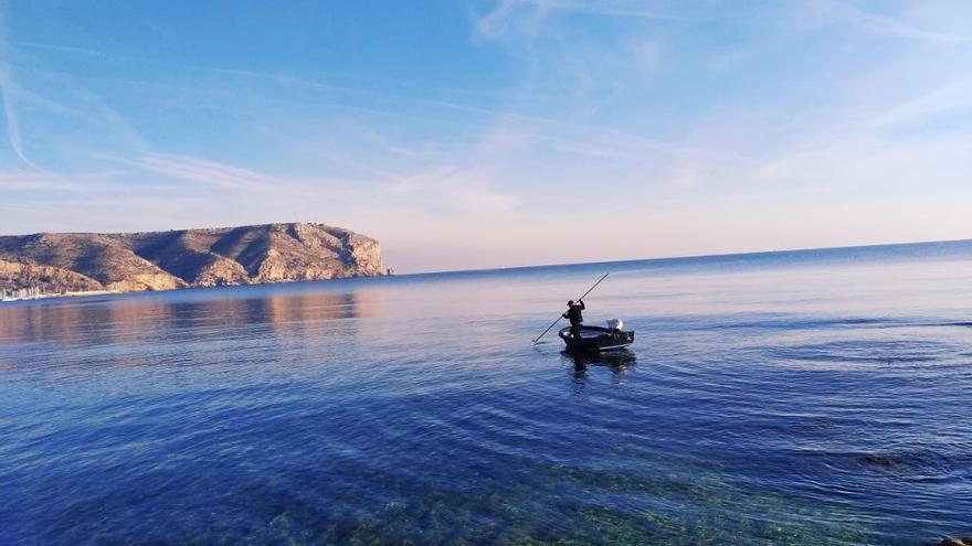 La pesca paciente y sostenible del erizo en Xàbia
