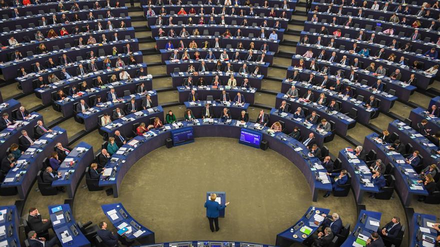 El Parlamento Europeo alerta contra la amenaza que suponen modelos de negocio como la Superliga de fútbol