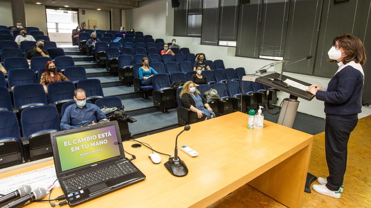 Navarro en su encuentro con los alumnos