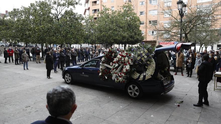 Funeral de Virgilio García, el operario sepultado por la nieve en San Isidro