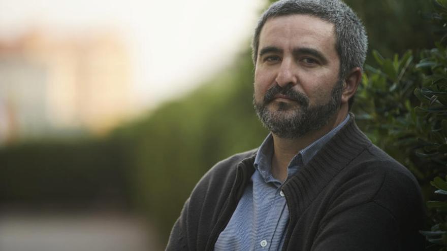 """Daniel Ruiz: """"Quien quiera ser feliz y dormir bien, mejor que no me lea"""""""
