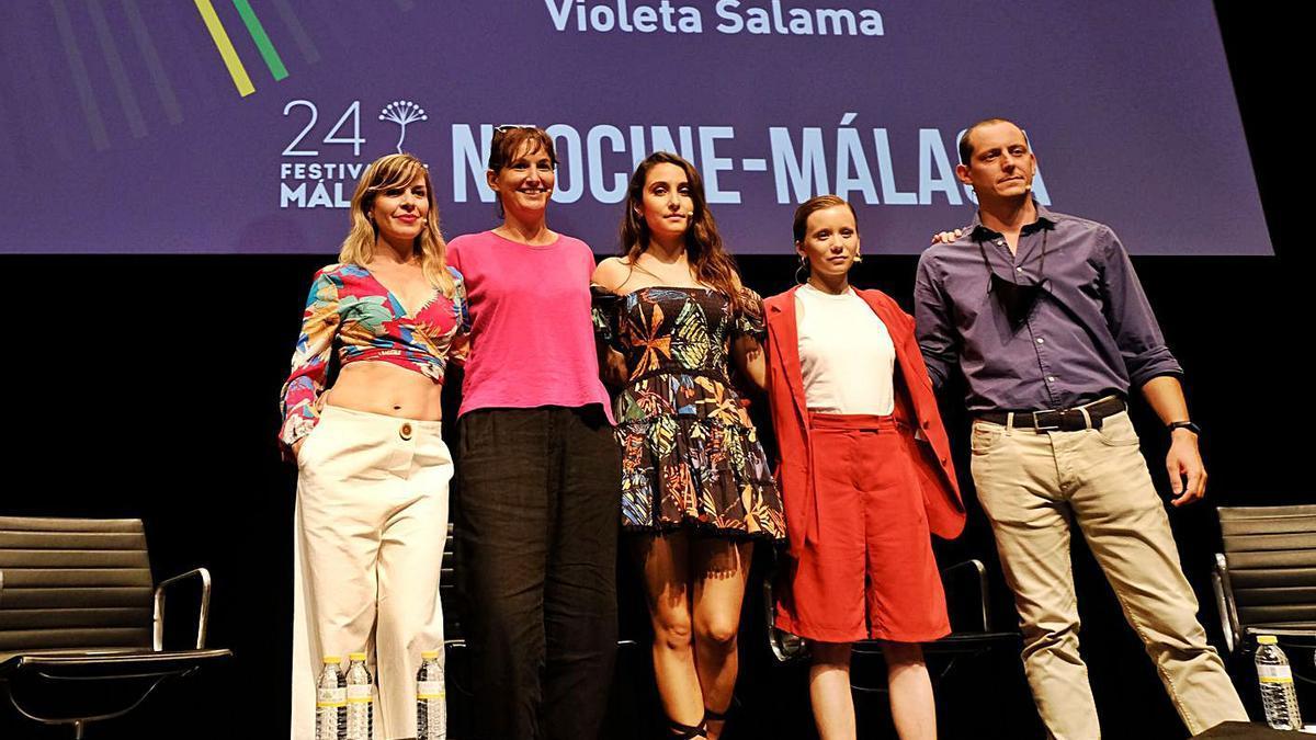 Mara Guil, Violeta Salama, Sarah Perles, Laila Manzanares y Olmo Figueredo.