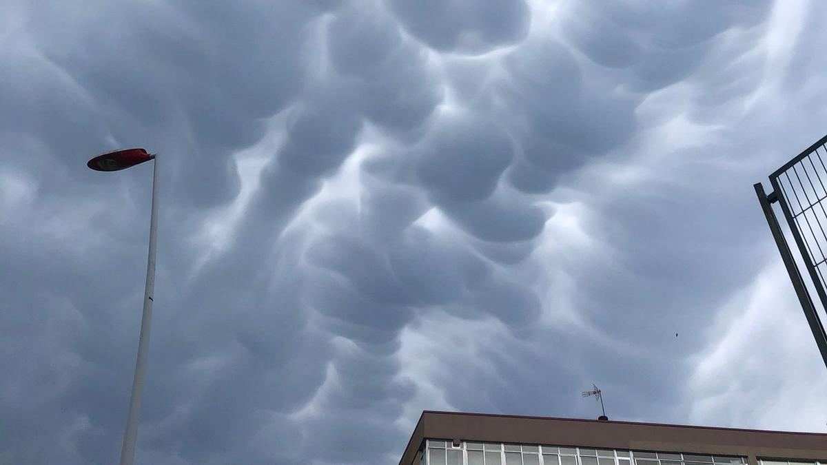 Nubes mastodónticas, esta tarde en Vigo
