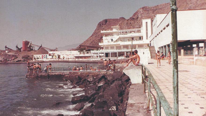 90 años de la inauguración del balneario de la capital tinerfeña