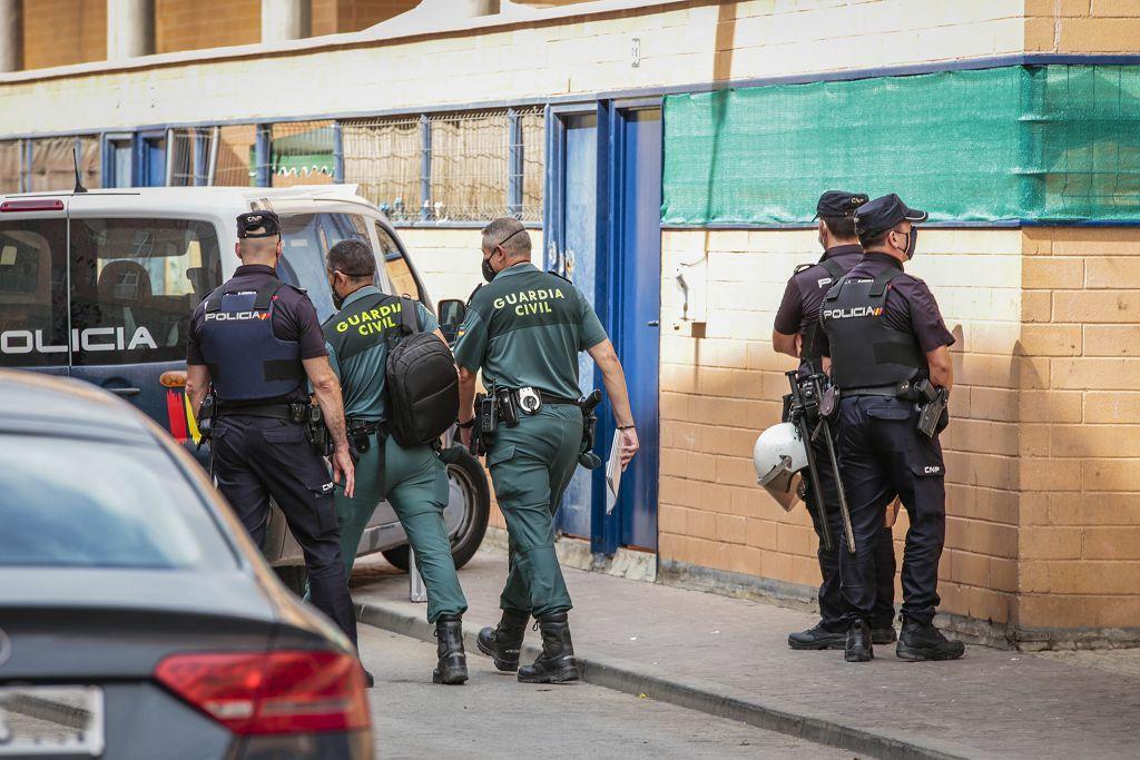 Intervención policial. Menudeo, gallos y tortugas en Ministriles, Lorca-3587.jpg