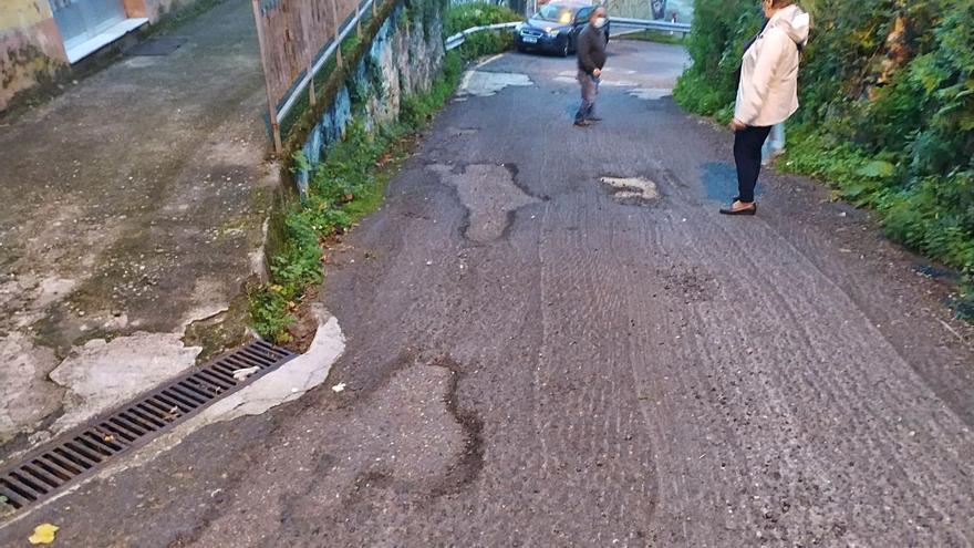 Los vecinos de Chapela exigen la mejora de los caminos de Penisal, Subido y As Ánimas