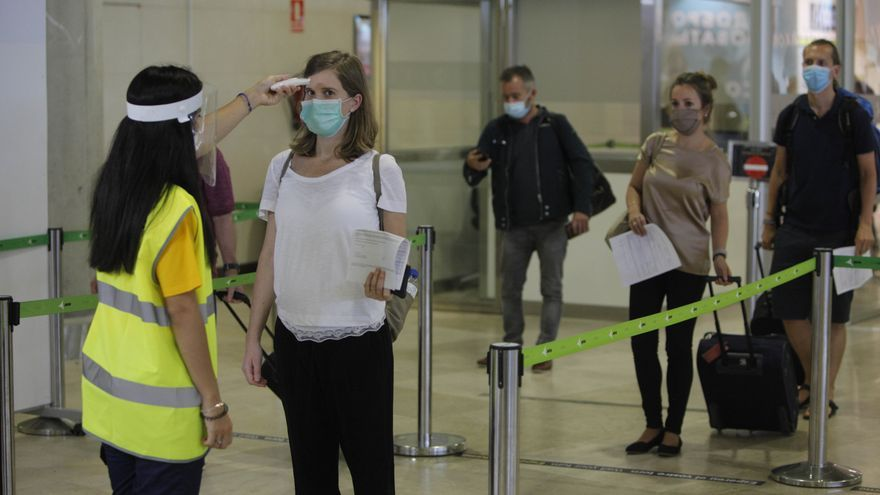 La llegada de turistas se desploma un 89,5% en enero por la tercera ola del coronavirus