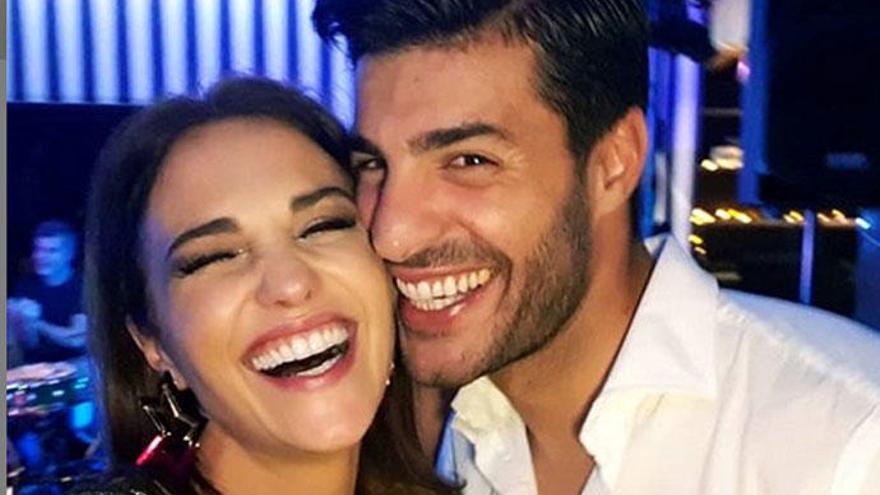 Paula Echevarría y Miguel Torres, de vacaciones en Londres