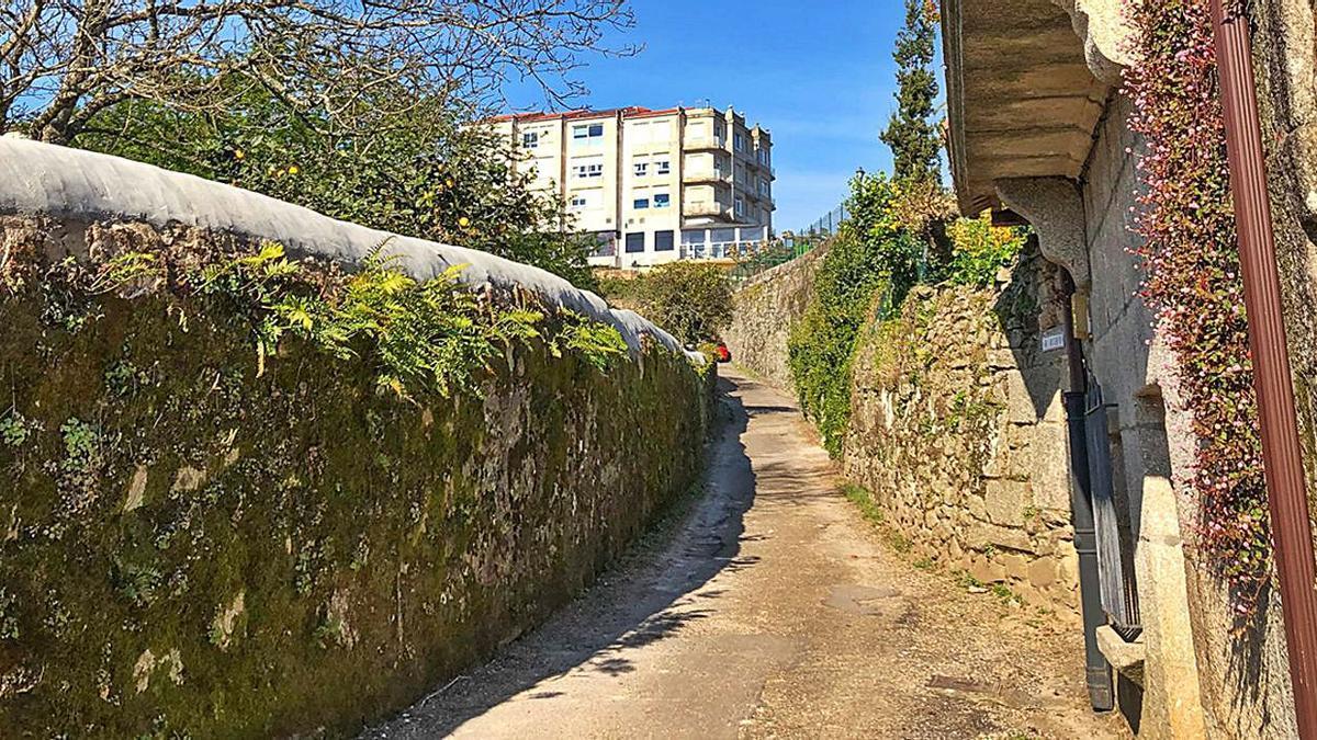 Travesía de San Domingos, que conecta las calles Antero Rubín con Bispo Lago, en Tui.   | // D.P.