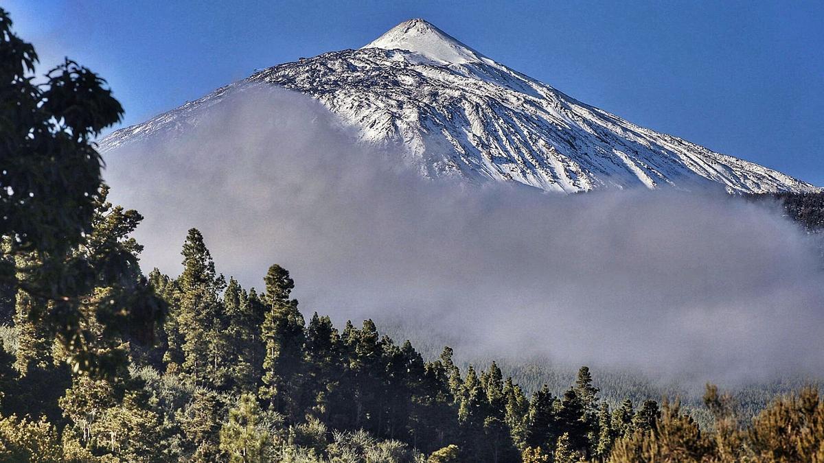 Vista del Teide, ayer.