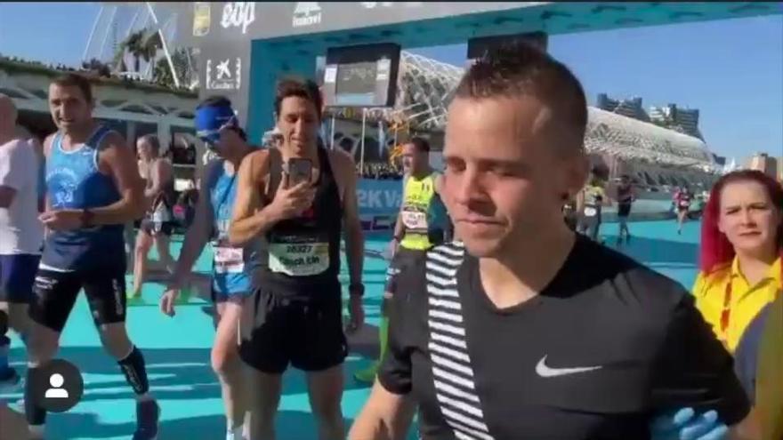Cristina Pedroche graba a Dabiz Muñoz llorando en meta del Maratón Valencia