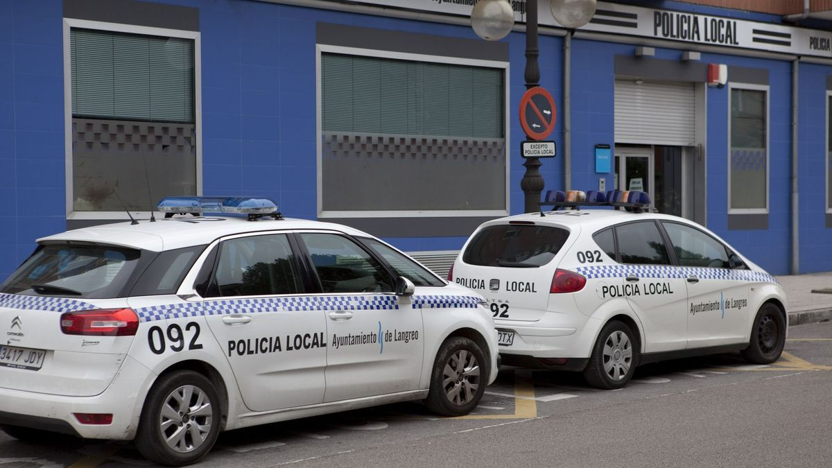 Coches de la Policía Local de Langreo