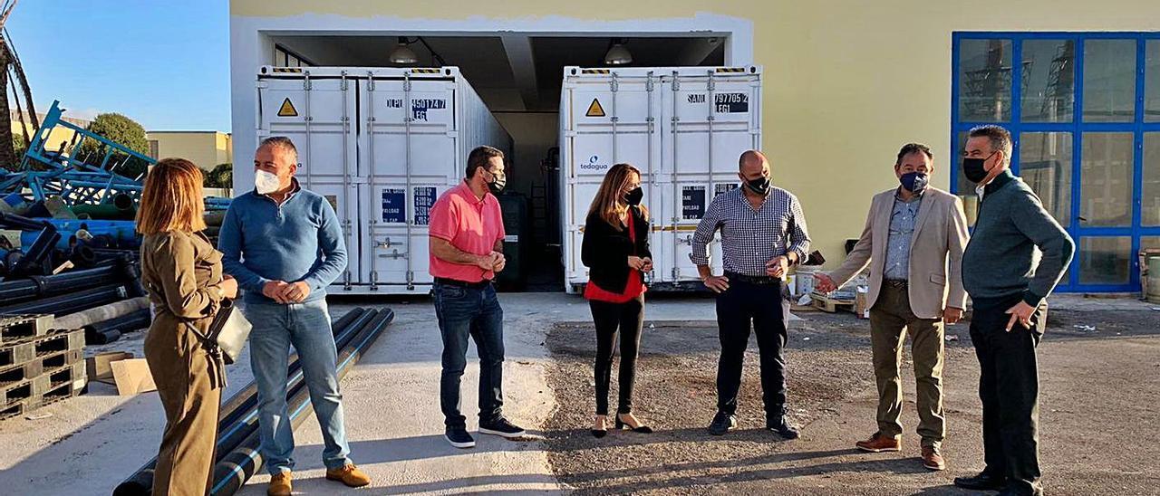 Representantes del gobierno insular durante su visita al Consorcio de Aguas, ayer. | | LP/DLP
