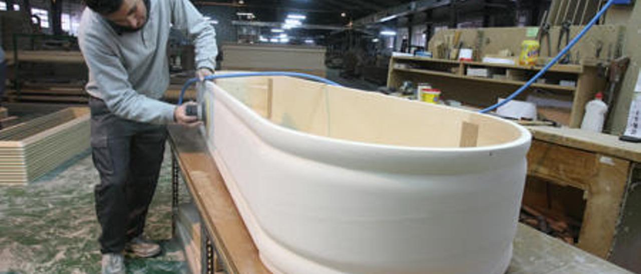 Imagen de la producción de arcas en Divina Aurora, en una fotografía del mes pasado.