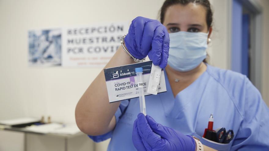 Sanidad hará test rápidos de antígenos en los colegios para frenar los contagios por covid